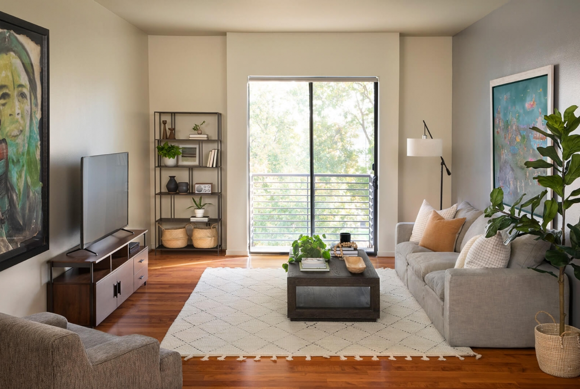 1801 L Extended Stay Apartment - Sample Image of Sacramento, CA Nurse Housing