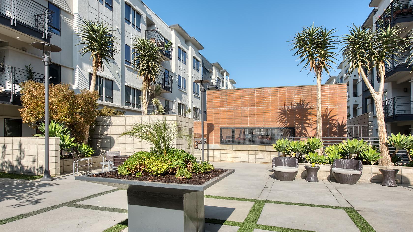 5600 Wilshire Serviced Housing-Sample Image of Los Angeles CA Nurse Rental