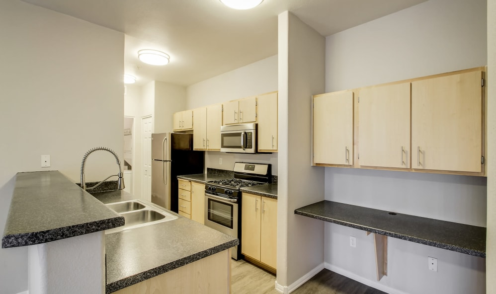 Eaglewood Apartment Home-Sample Image of Woodland CA Temporary Housing
