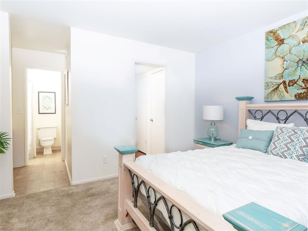 Heron Pointe Extended Stay-Sample Image of Fresno CA Nurse Apartment