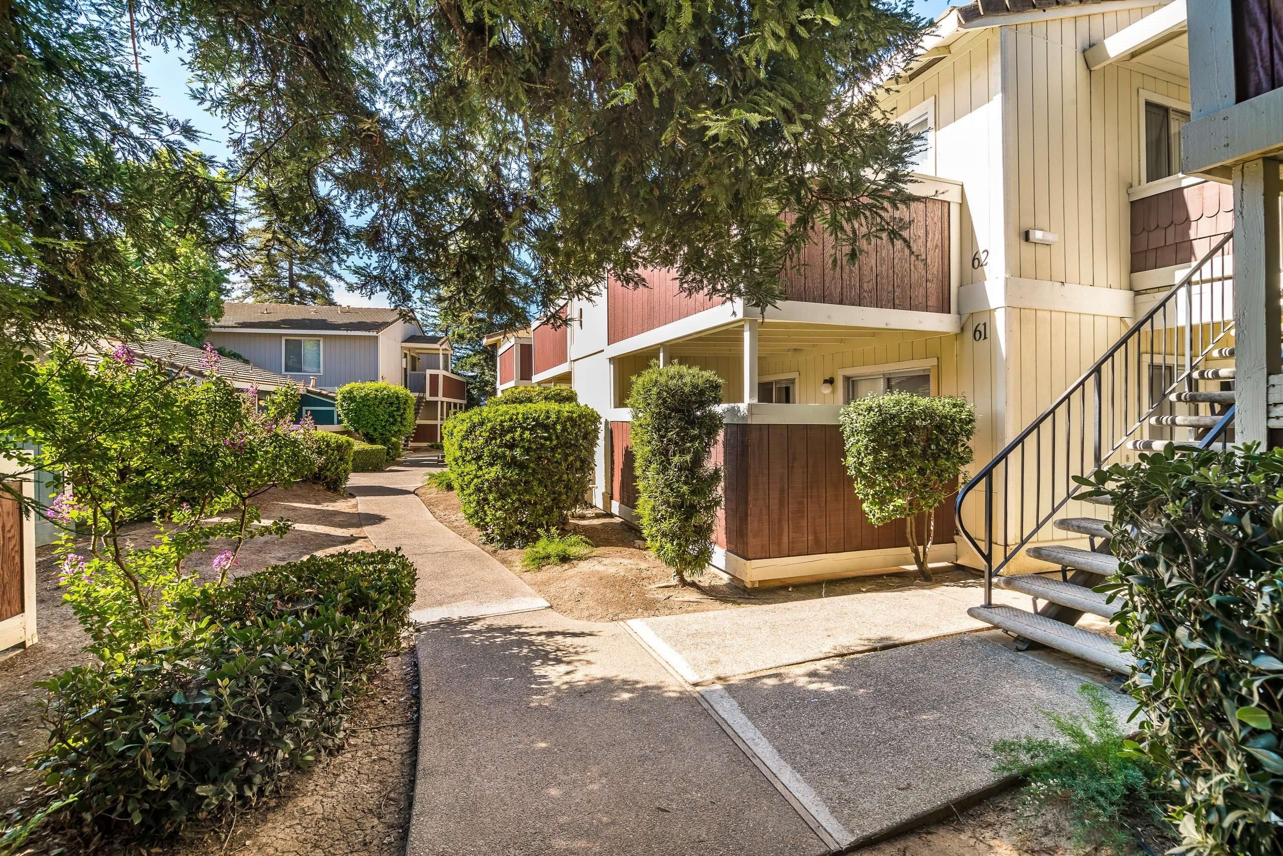 Northwood Village Apartment Home-Sample Image of Merced CA Nurse Housing