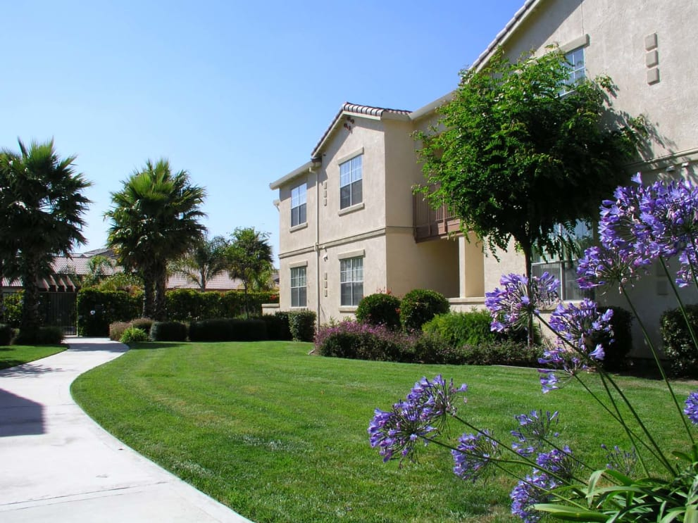 Palm Court Serviced Housing-Sample Image of Salinas CA Construction Crew Rental