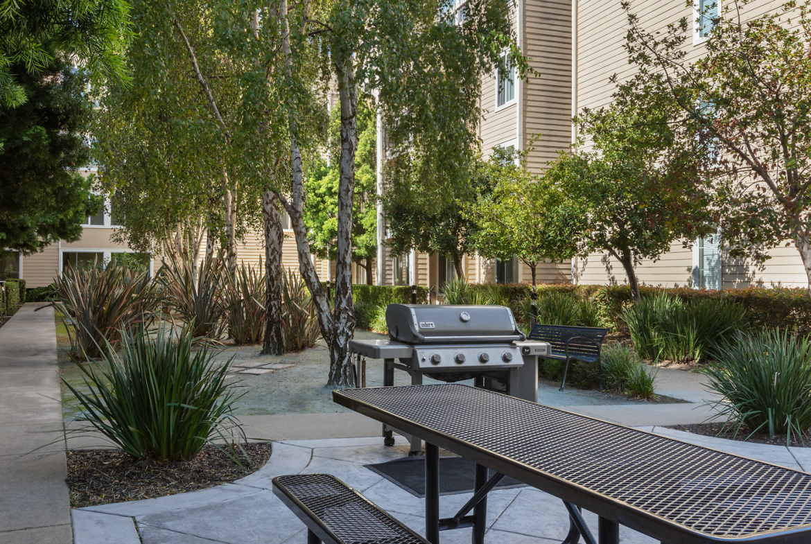 Courtyards at 65th Apartments-Sample Image of Emeryville CA Nurse Housing