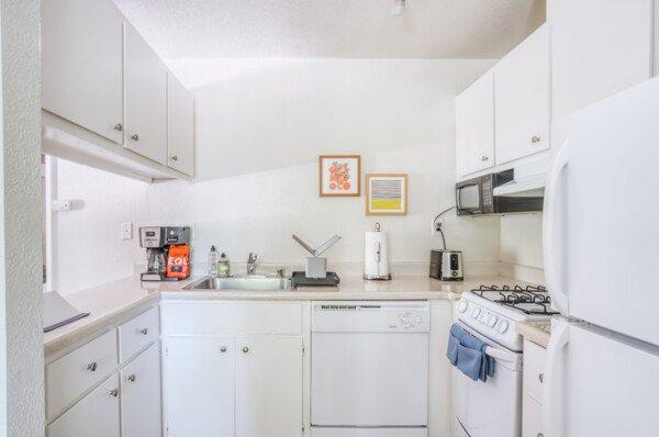 Ygnacio Village Serviced Rental-Sample Image of Walnut Creek CA Intern Home
